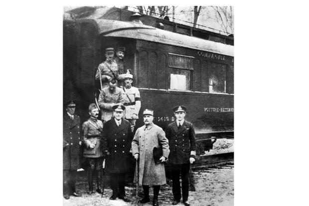 Armistice-WW1-2-d320360