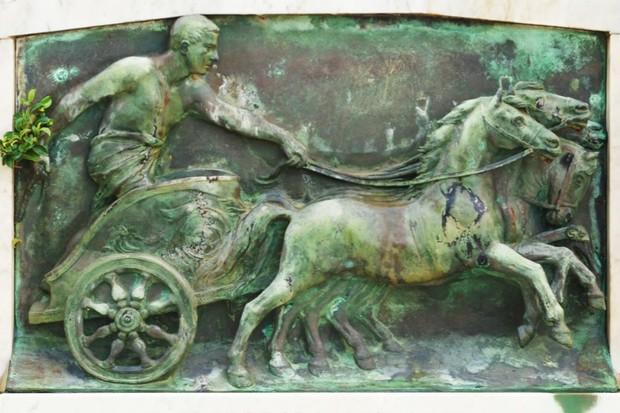 Chariot-racing_0-2ecb391
