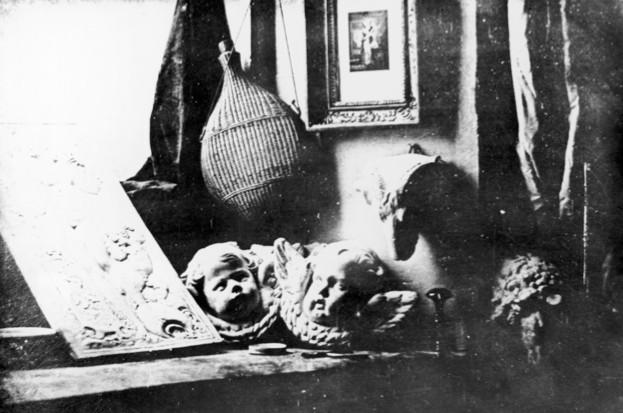 What is a daguerreotype? (public domain)