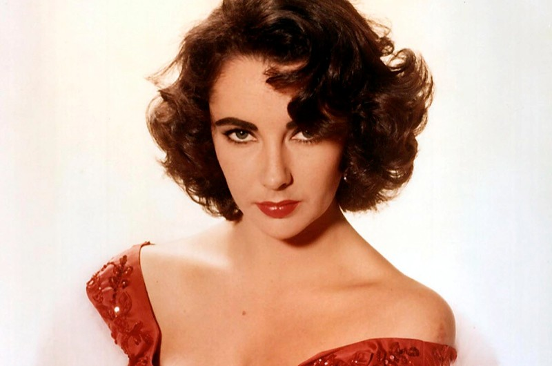 Inviting Elizabeth Taylor to a dinner party... (public domain)