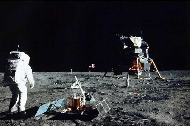 Buzz Aldrin on the surface of the Moon, with the Lunar Module 'Eagle' in the background, 20 July 1969 © NASA