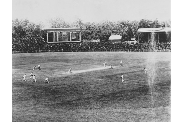 Tibby Cotter of Australia bowling to Wilfred Rhodes of England in the second Ashes Test at Melbourne Cricket Ground, Melbourne, Australia, 30 December 1911 to 3 January 1912. England won the match by eight wickets © Getty Images