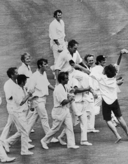 A victorious England team carries their captain Ray Illingworth off the field after clinching the Ashes by a 62 run win in the 7th Test Match in Sydney © Getty Images