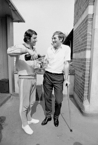 Two captains, Australia's Ian Chappell, left, and England's Ray Illingworth, toast the end of The Ashes Series at the Fifth Test at The Oval, during Australia's 1972 tour of England, 10 -16 August 1972 © Getty Images