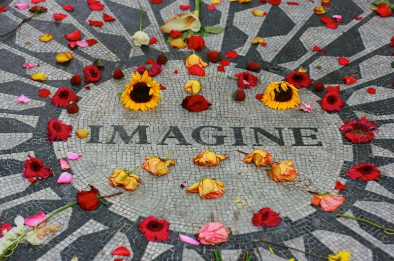 The assassination of John Lennon ©iStock