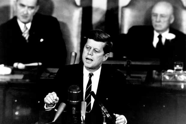 Kennedy_Giving_Historic_Speech_to_Congress_-_GPN-2000-001658-ba16041