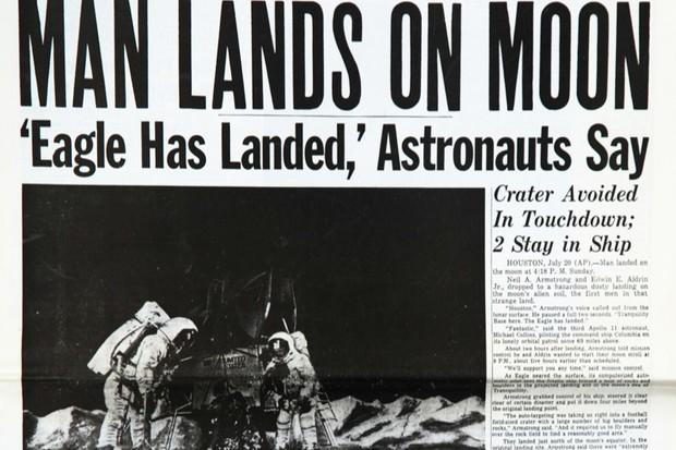 Moon-landing-2_0-e63a5ad