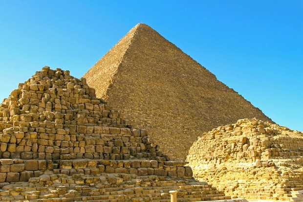 Pyramid-tombs_0-930f2c5