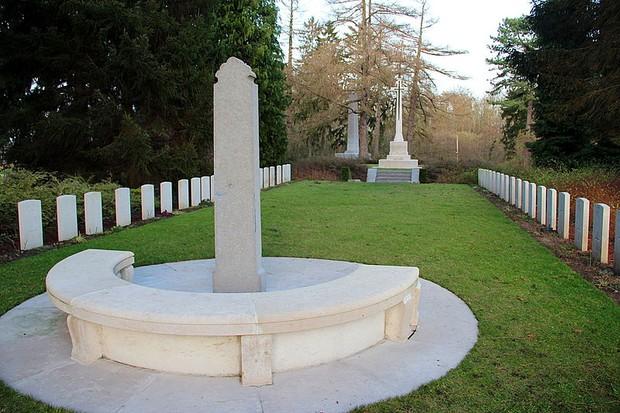 St-Symphorien-Military-Cemetery-_2-a35591d