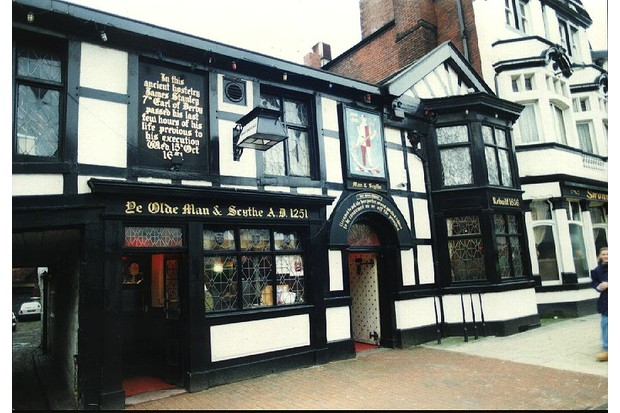 Ye Olde Man and Scythe, Bolton © Wikimedia Commons