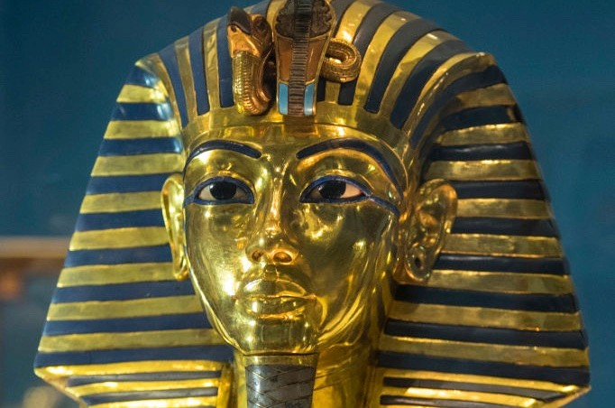 How many people have died because of the curse of Tutankhamun?