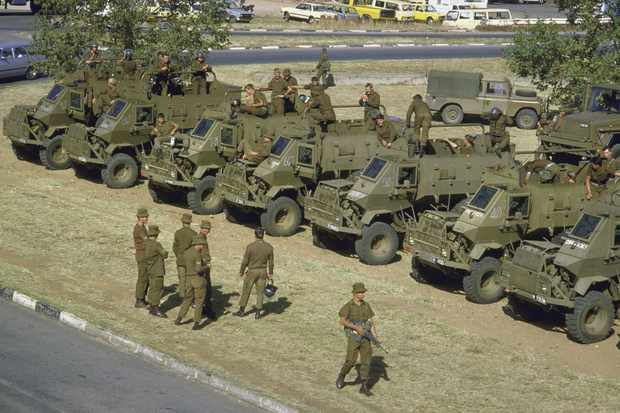 South African armed forces stand by during state of emergency regarding anti-apartheid unrest © Getty