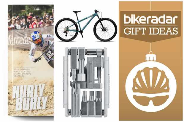 Christmas gift guide for mountain bikers thumbnail