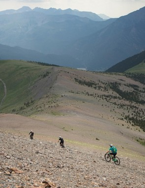 Going flat out down open scree fields, it was noticable how comfortable the Rallon felt at speed