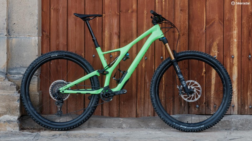 4ce4b9ce070 Specialized S-Works Stumpjumper 29 long-travel first ride review ...