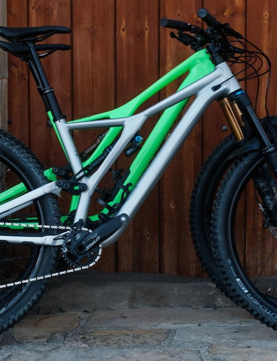 We take a closer look at the rowdier sibling of the new Stumpjumper