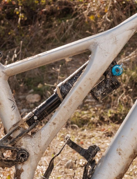 The Stumpjumper EVO uses the same asymmetrical supporting strut as the Stumpjumper