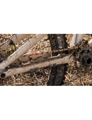 It also features that nifty chainstay protector