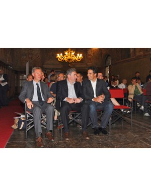 Valentino Campagnolo (left) sits beside two of the great Campagnolo-using champions: Eddy Merckx and Miguel Induarain, with ten Tours and eight Giros between them.