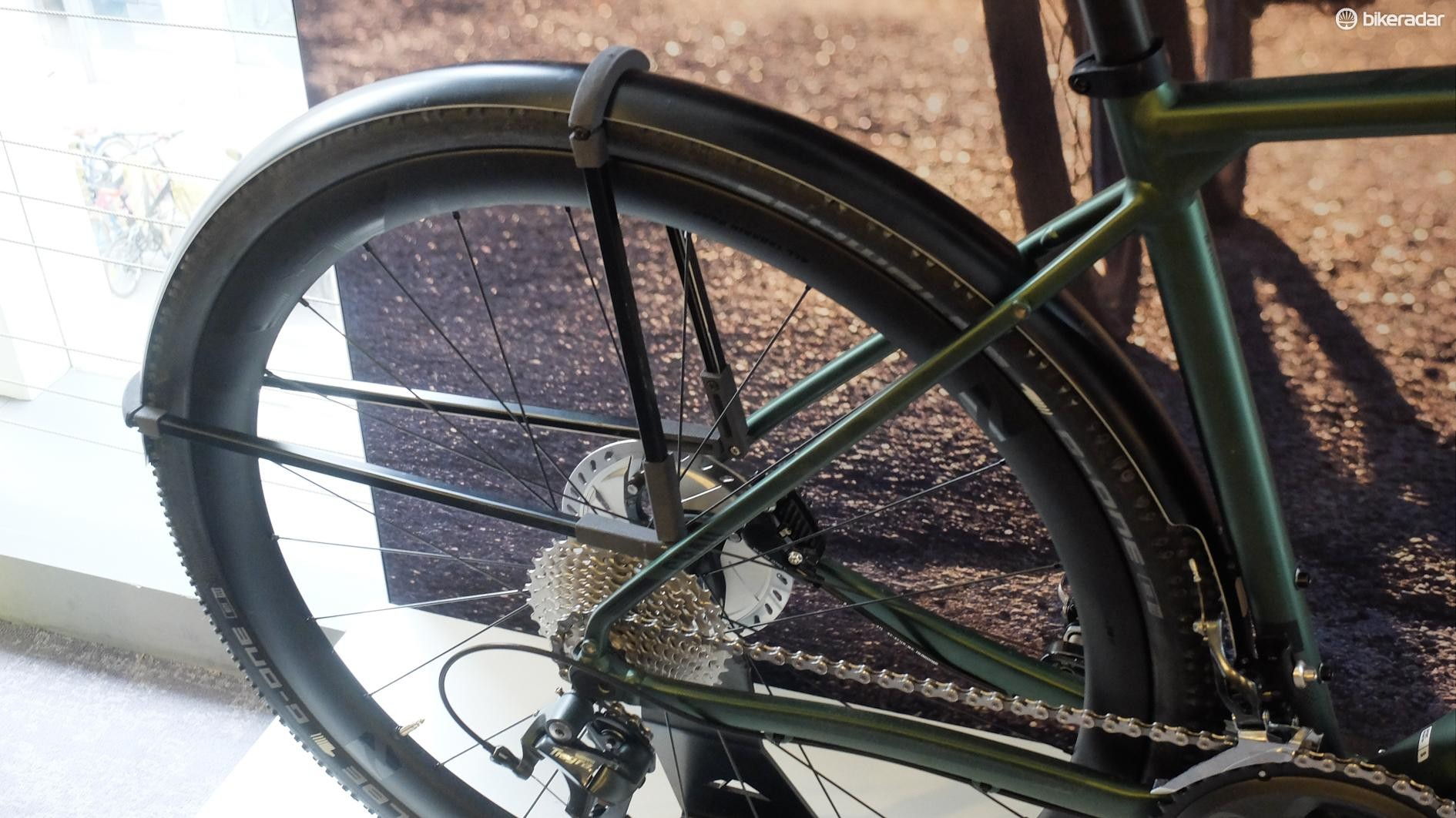 Canyon has gone as far to develop a set of nicely matching alloy mudguards for the Grail