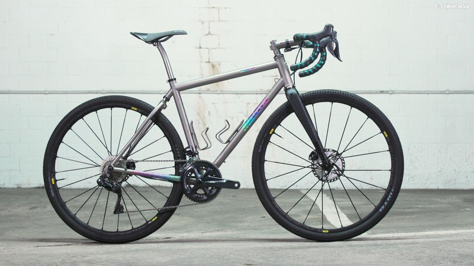Are the '90s back?! Moots' amazingly-anodised soft-tail