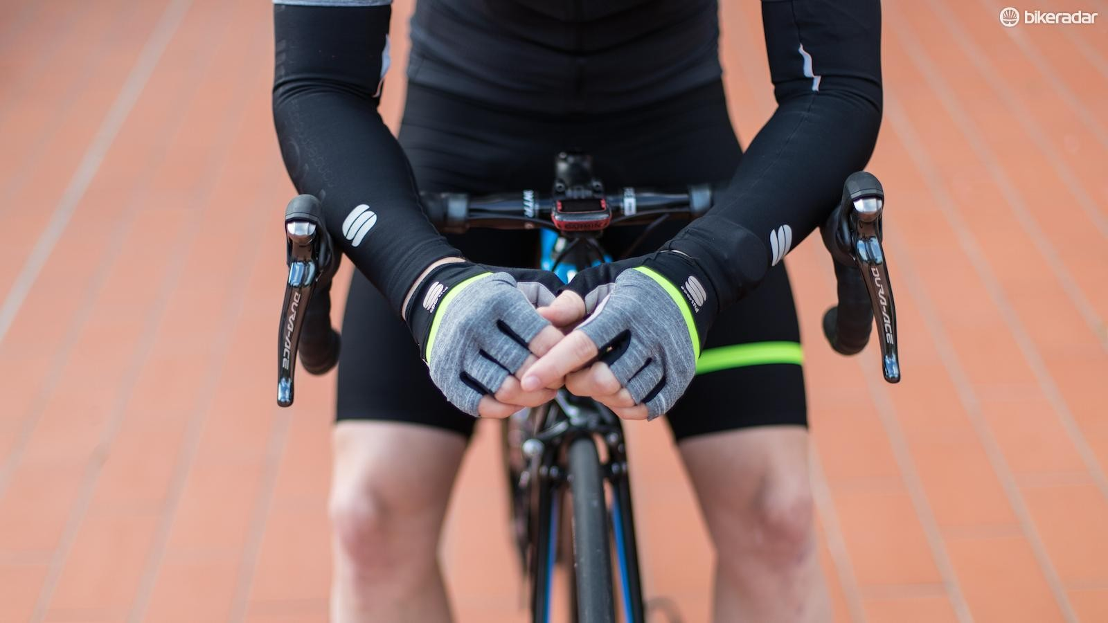 The Giara gloves match the rest of the kit and feature extra padding in the palm