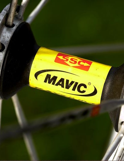 Reassuringly expensive Mavic Ksyrium SSC SLs, which are light, laterally very stiff and reliable
