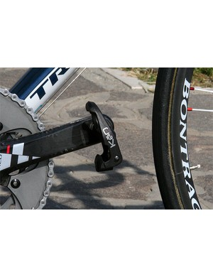 Contador's footsies go here, the Look KeO Carbon being his pedal of choice.