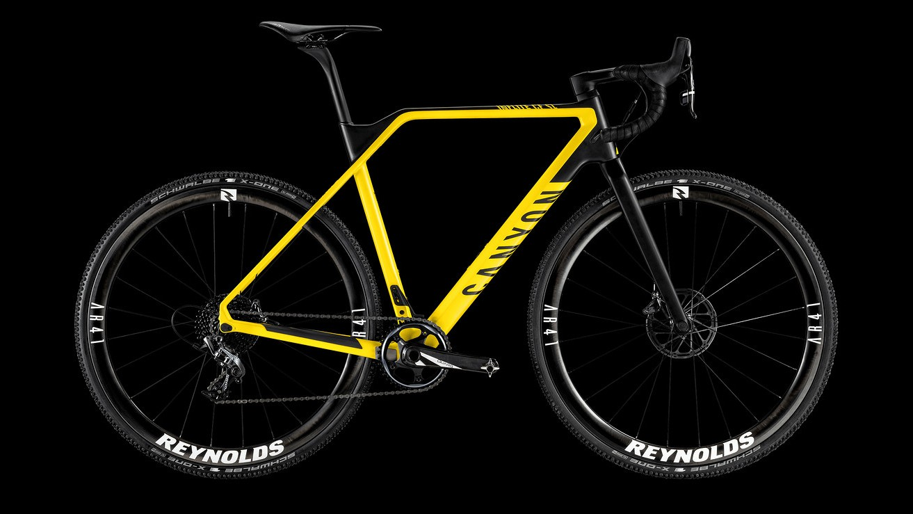 The CF SL 8.0 Race features a Force groupset