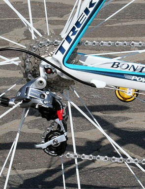 The rear derailleur is fitted with ceramic bearings in the pulleys.