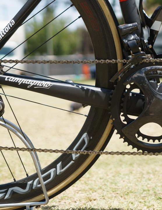 The other big sighting was the as yet unreleased EPS version of Campagnolo's new 12-speed Super Record groupset