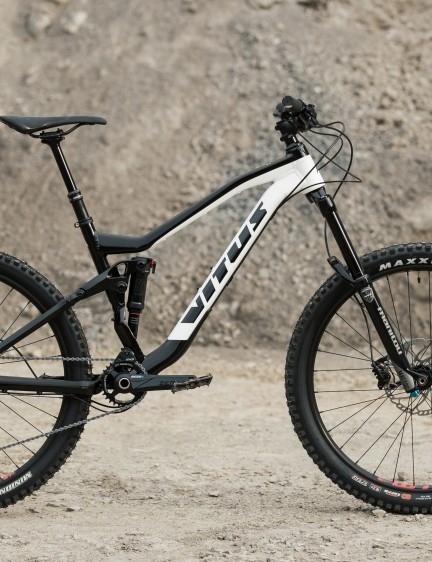 The Sommet is a more enduro-friendly model