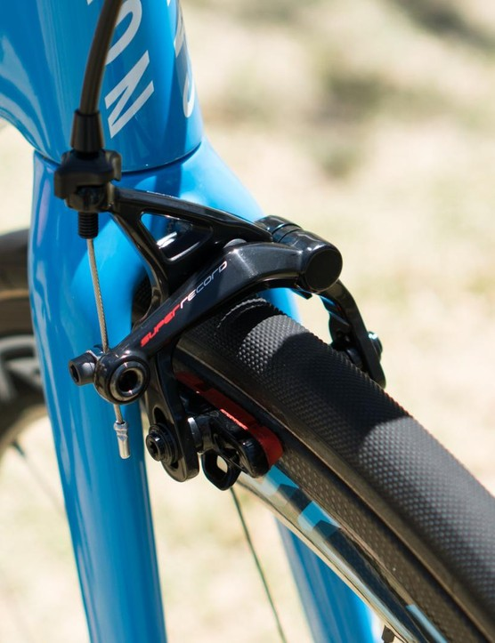 The Ultimate still uses traditional centre mount brakes