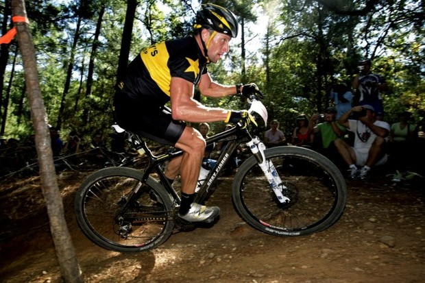 Lance Armstrong powers his way to first place in the Texas Fall Cup Final