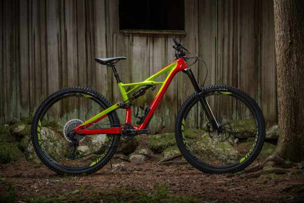 The new Specialized S-Works Enduro 29/6Fattie has had a proper overhaul for 2017 and is now longer, lower and slacker than before, while travel gets bumped up to 165mm on the 29er and 170mm on the 650b models