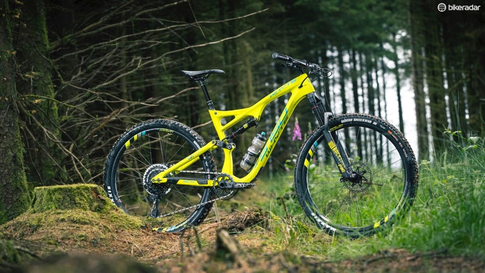 0008f01076c Whyte's new S-150 RS is a long, slack and low 29er trail shredder