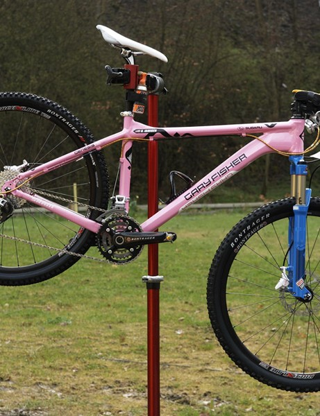 Subaru-Gary Fisher riders were spotted aboard new '09 prototype aluminium hardtails.