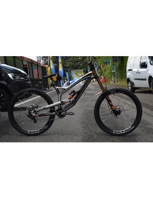 Aaron Gwin's YT Tues looks ready to take on the brutal Lourdes World Cup track this weekend