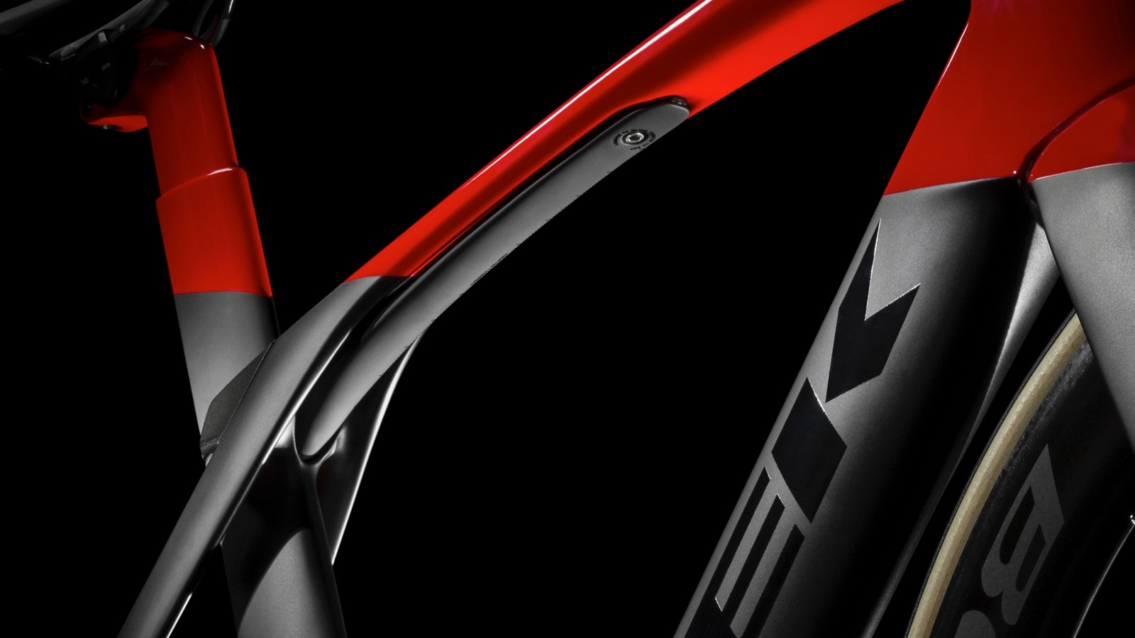 The new Madone SLR has an adjustable IsoSpeed under the top tube with an elastomer damper in the seat tube