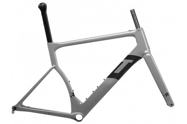3T's Strada Due has the same aerodynamic and wide tire advantages, but is capable of using a double crankset
