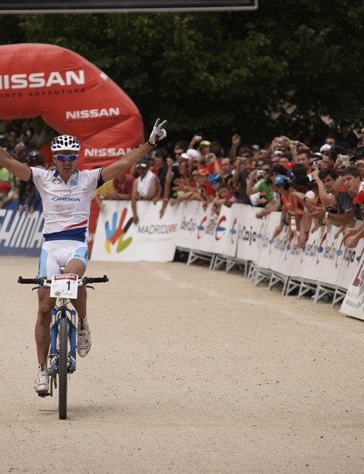 Julian Absalon delivers victory number three