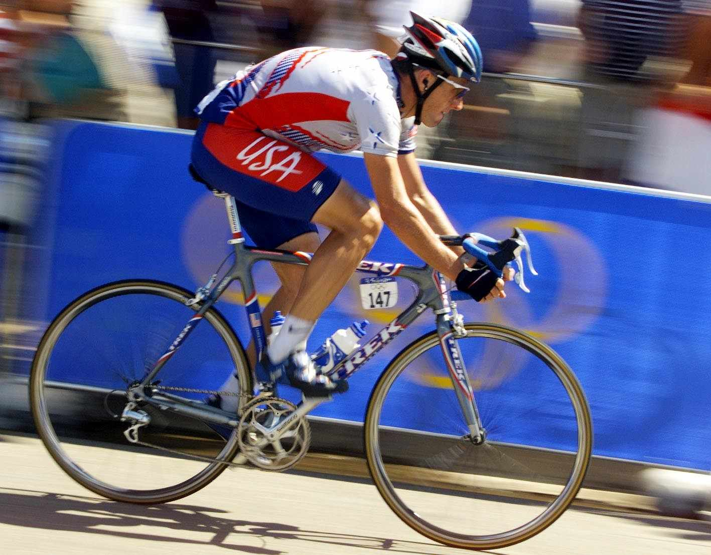 Lance Armstrong in the Men's Road Race at the Sydney 2000 Olympic Games, held at Centennial Park in Sydney, Australia.