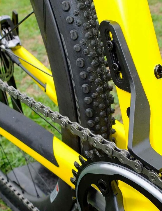 Fitting in place of a front mech, the 13g plastic guide adds further security to the system's excellent chain retention