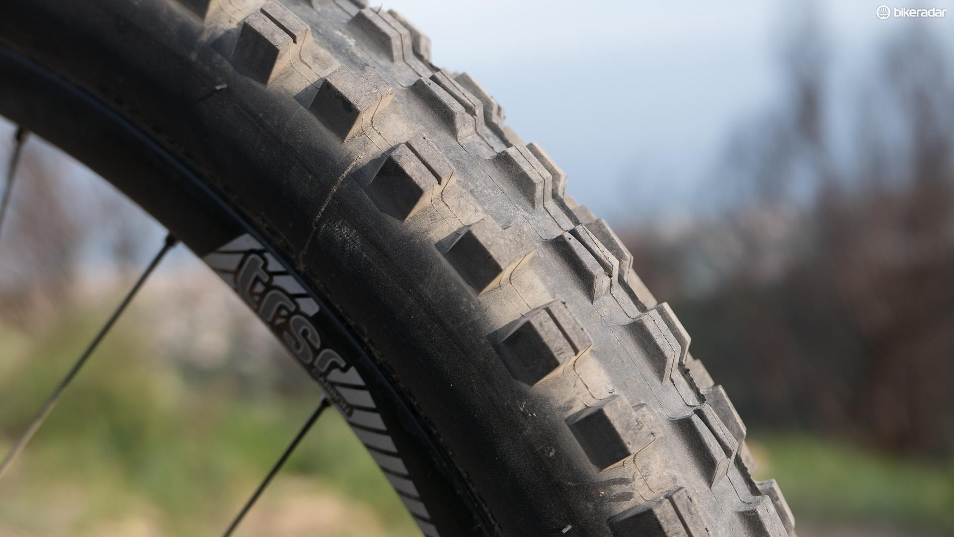 "2.5"" Maxxis Minion DHF tyres handle cornering duties up front… for now, at least"