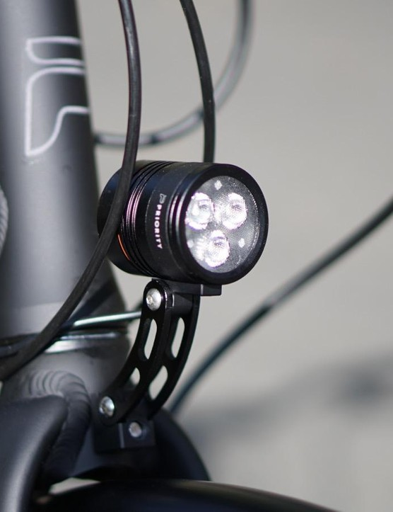 A dynamo front light means you never have to think about charging or replacing batteries