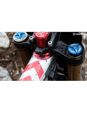 Chris King produced this BuzzWorks offset headset specifically for the V10 29er