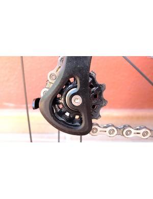 The lower jockey wheel looks conventional