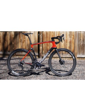 Disc brakes or rim brakes? With the Wilier Cento 10 NDR that would be a yes