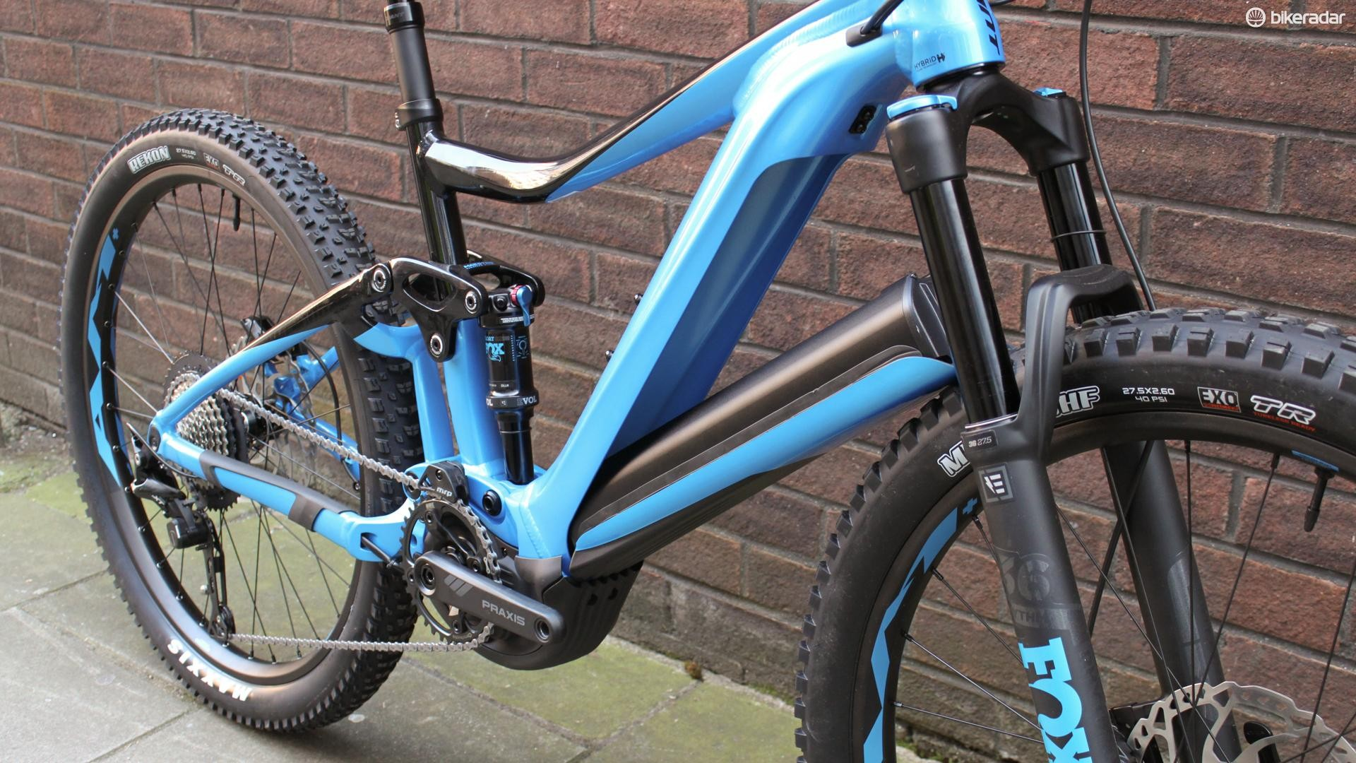 That massive battery is slickly integrated into the downtube
