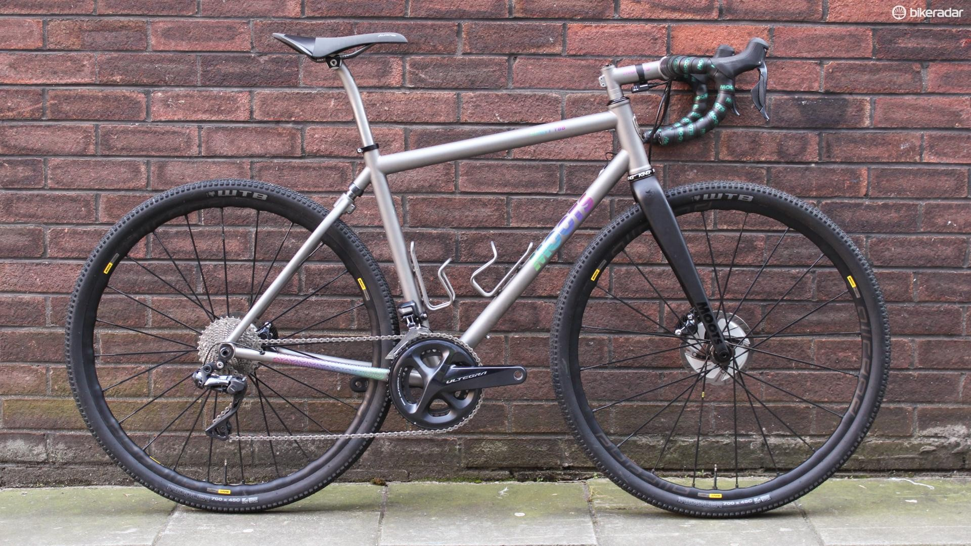 The Moots Routt RBB is part gravel racer, part retro MTB